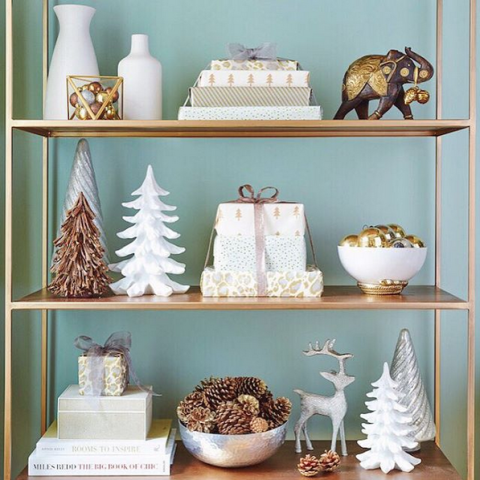 bakers-rack-holiday-shelf